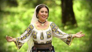 Lavinia Birsoghe si Liliana Popa - Iia romaneasca