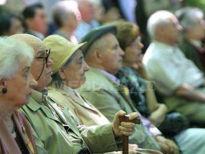 pensionari-liviu-chirica.jpg