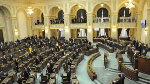 senat_m1.png